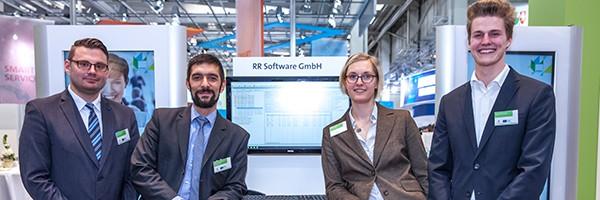 Praktikant Daniel Oberheide (rechts) mit den Kollegen der RR Software GmbH auf der CeBIT 2016