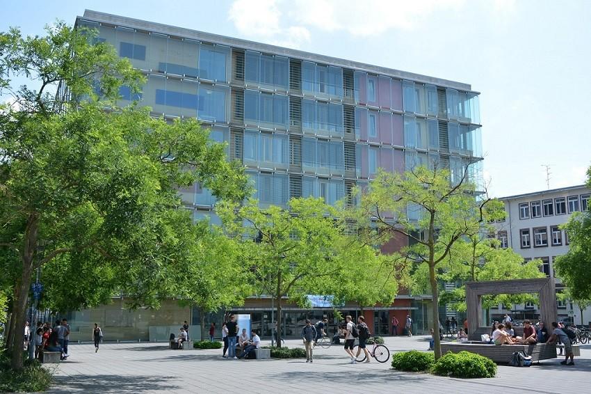 Campusgebäude Frankfurt University of Applied Sciences, Foto: Frankfurt UAS/Benedikt Bieber