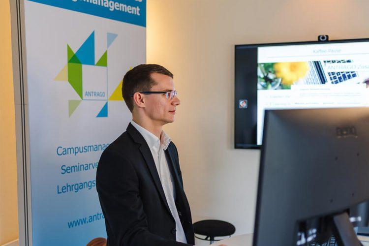 Thomas Strümpel (Kundenservice) erläutert die neuen Funktionen in Version 20.07 - Digitale ANTRAGO Konferenz 2020